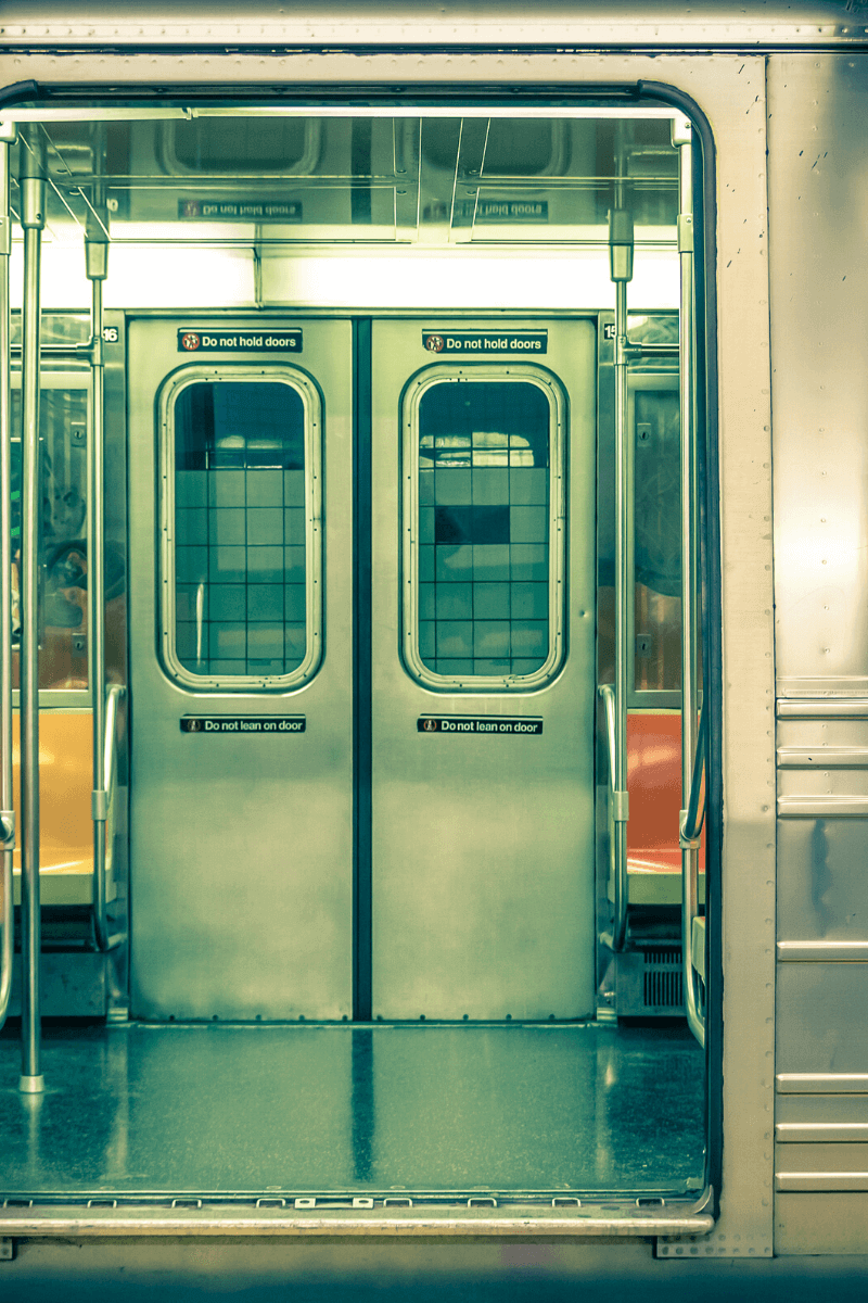 Changing apartments in NYC is a Trainwreck using the subway